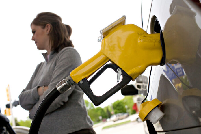 THE AVERAGE PRICE of gas in Rhode Island declined 4 cents to $2.59 per gallon. / BLOOMBERG FILE PHOTO/DANIEL ACKER