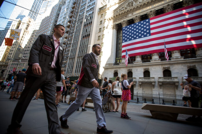 UNTIED STATES gross domestic product expanded at a 1.9% annualized rate in the third quarter. / BLOOMBERG NEWS FILE PHOTO/MICHAEL NAGLE
