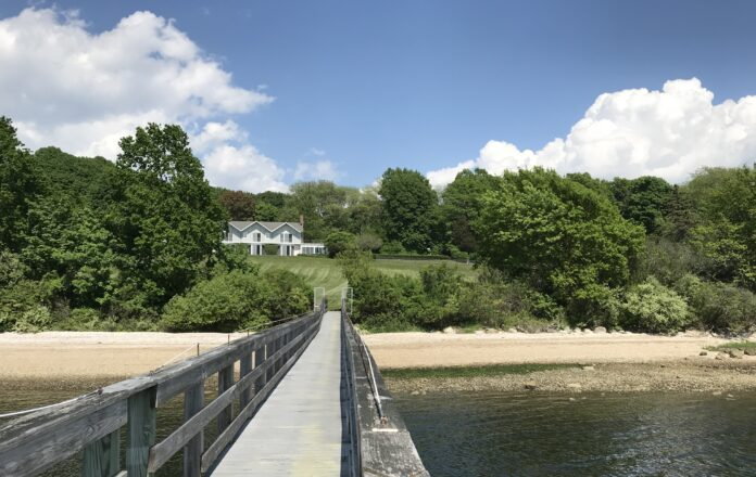 A 7-ACRE set of properties at 13 Low Lane sold in September for $3.2 million. / COURTESY HOGAN ASSOCIATES.