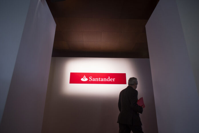 BANCO SANTANDER has plans to grow its business in Latin America and the United States. / BLOOMBERG NEWS FILE PHOTO/ANGEL NAVARRETE