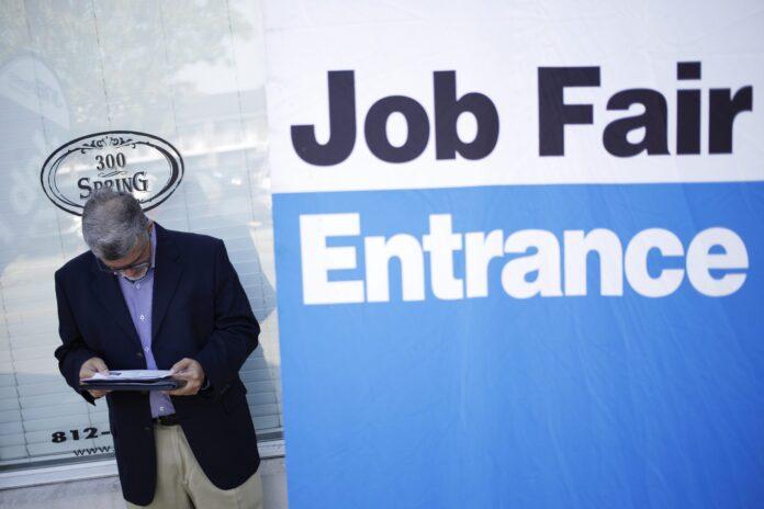 UNITED STATES jobless claims were unchanged at 227,000 last week. / BLOOMBERG NEWS FILE PHOTO/LUKE SHARRETT